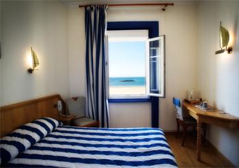 hotel saint malo mit meerblick kyriad st malo strand mit meer aussicht. Black Bedroom Furniture Sets. Home Design Ideas
